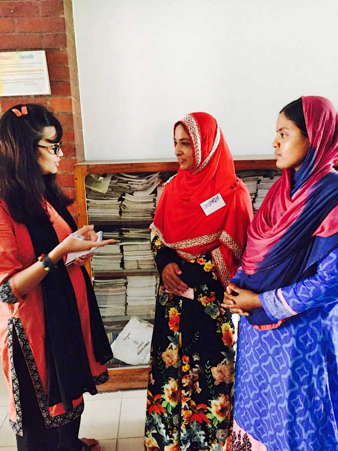 Jasmin Akter and Lovely Begam of BRAC sharing their thoughts with one of the trainers.