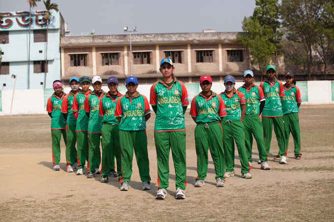 Members of BRAC's girls' clubs at a cricket tournament.